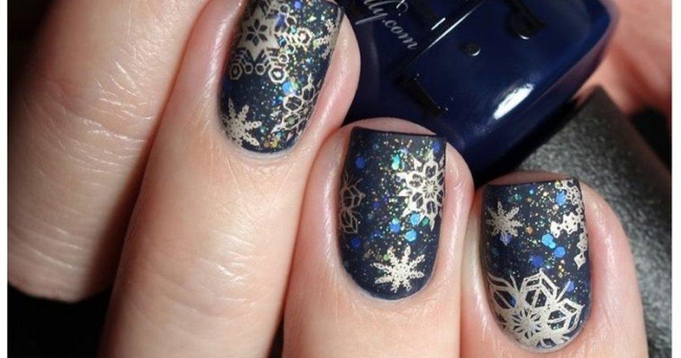 Elegancki zimowy manicure