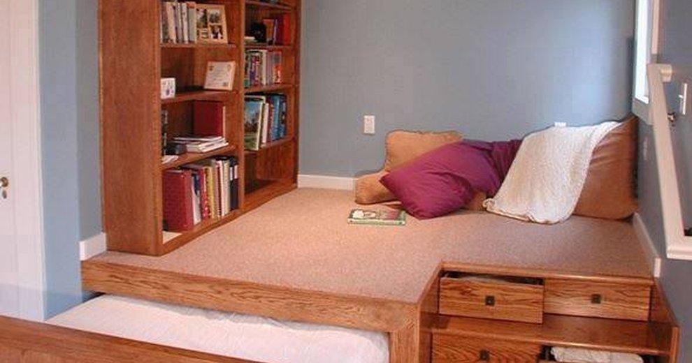 Подиум для дивана своими руками фото